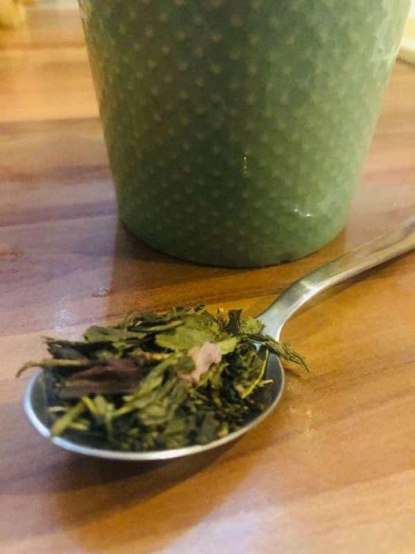 deep forest izesitett zold tea