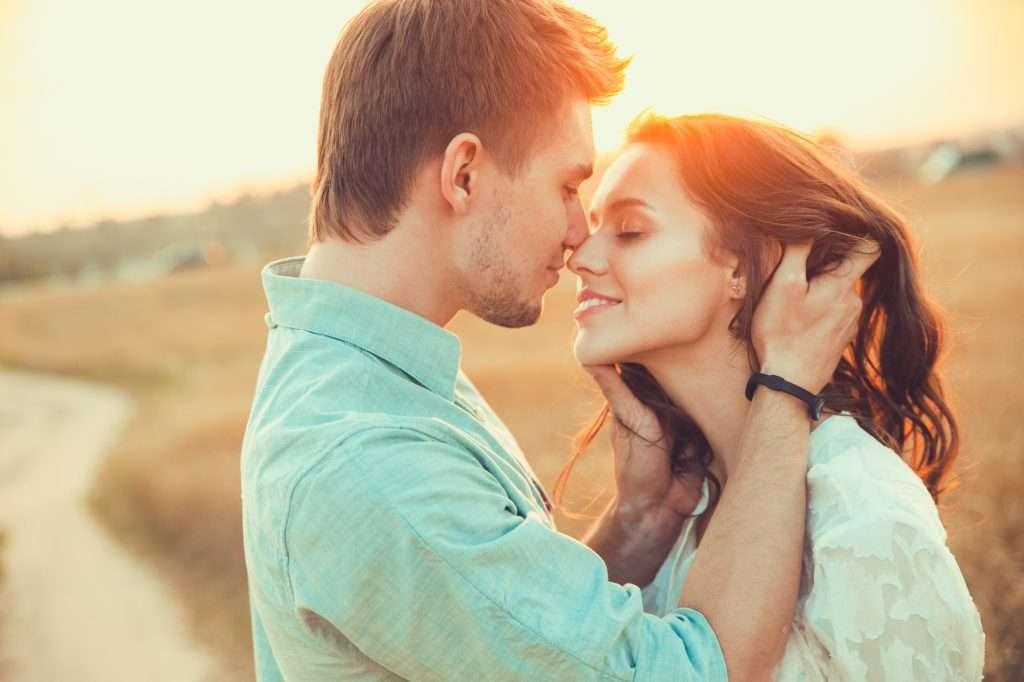 Csók a természetben a Csók Világnapján