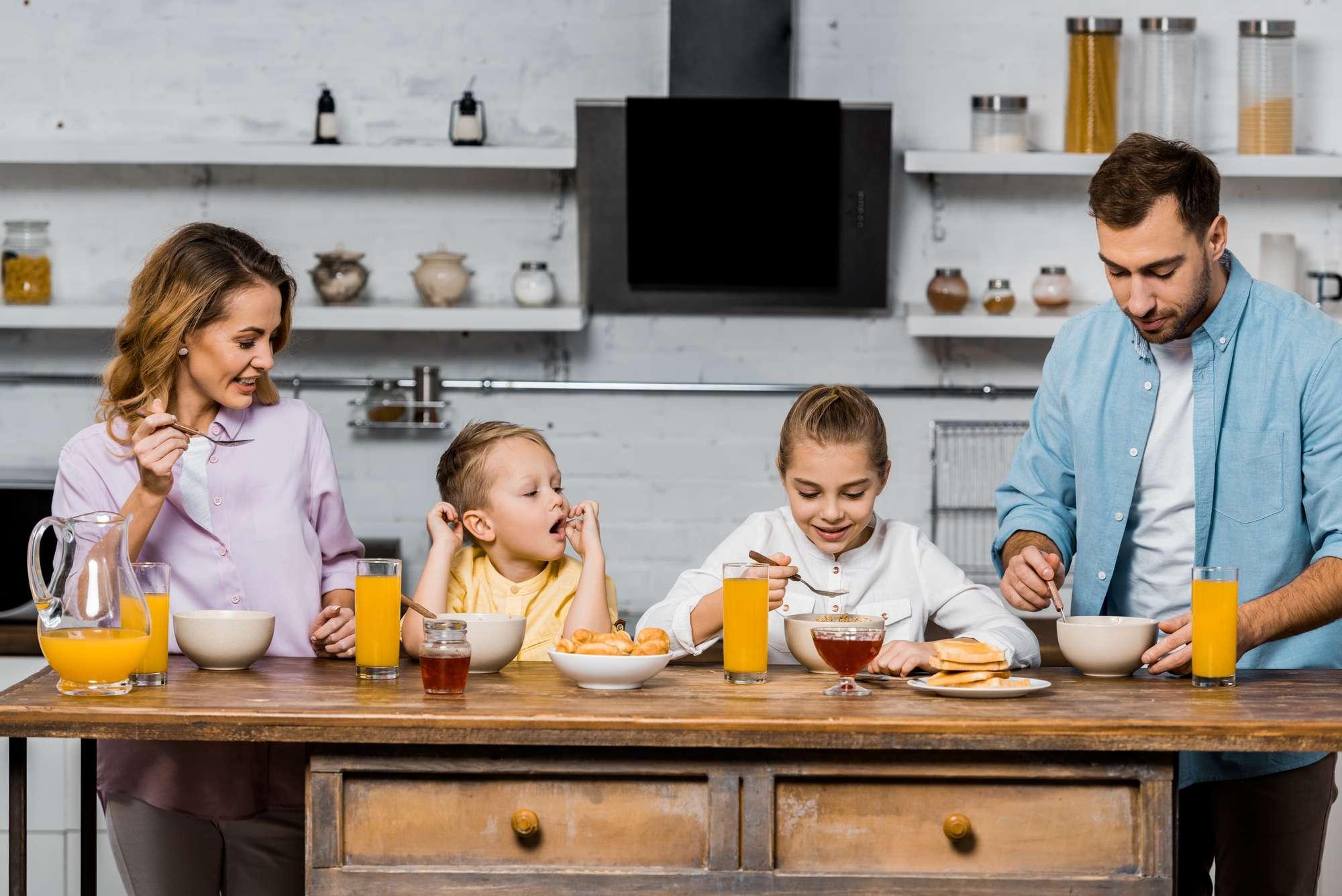 Egészséges reggeli az egész családnak a zabkása teával!