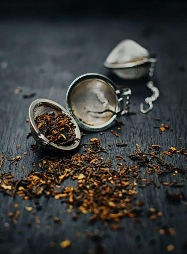 Teatojásban illatos tea.